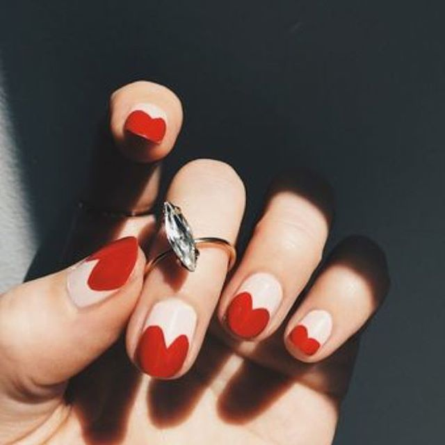 Happy Valentine's Day from all@of us at RSVMe. Treat yourself to a mani using our app and save up to 30%! #rsvme #valentinesday