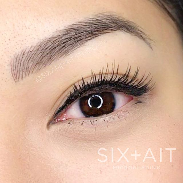 NEW BROWS, WE LIVE FOR YOU!! xo SIX+AIT 😘  Procedure: Microblading Artist: Masu @browsbymasu.sa