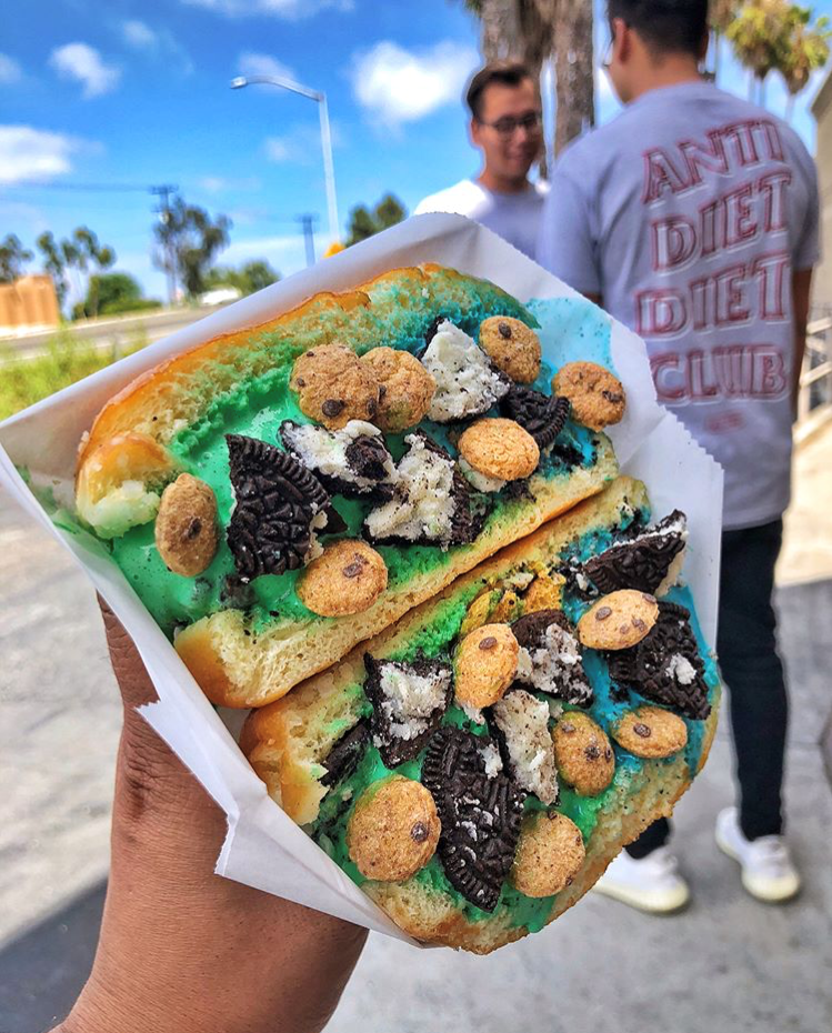 Cookie Monster(Blue) & Mint Monster(Green) Ice Cream inside Milky Bun topped w/ Oreos & Cookie Crisp