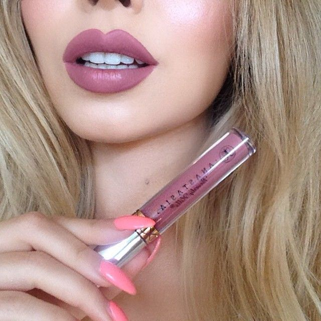 JADE MARIE NbspWEARING ABH LIQUID LIPSTICK IN DUSTY ROSE