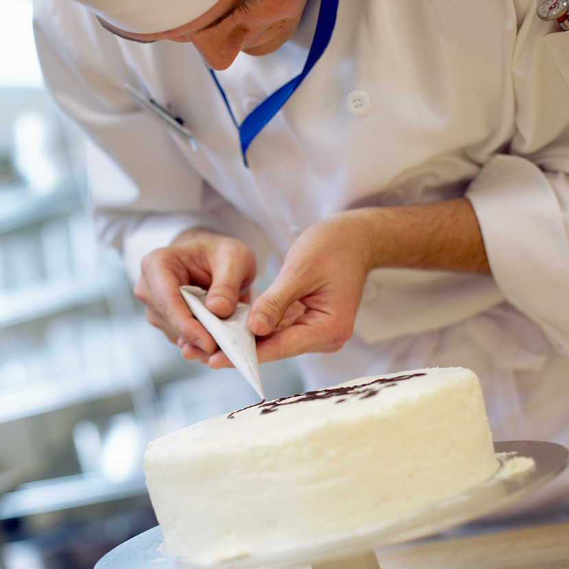 cake decorating.jpg