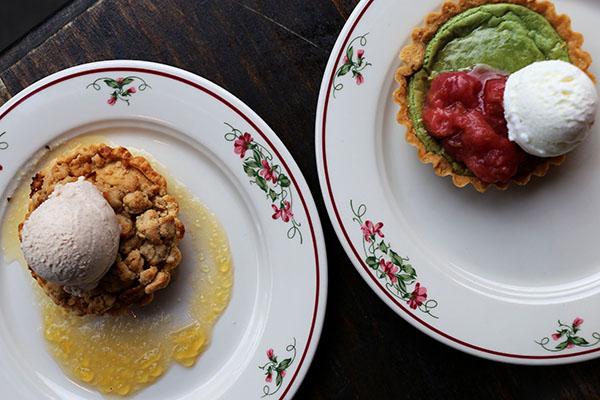 Crostata di Mele &Crostata al Pistacchio e Rabarbaro