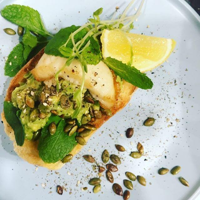 Vegan smashed avocado