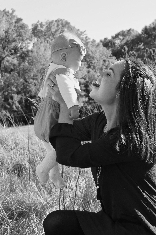 black-and-white-photo-of-mummy-and-daughter.jpg