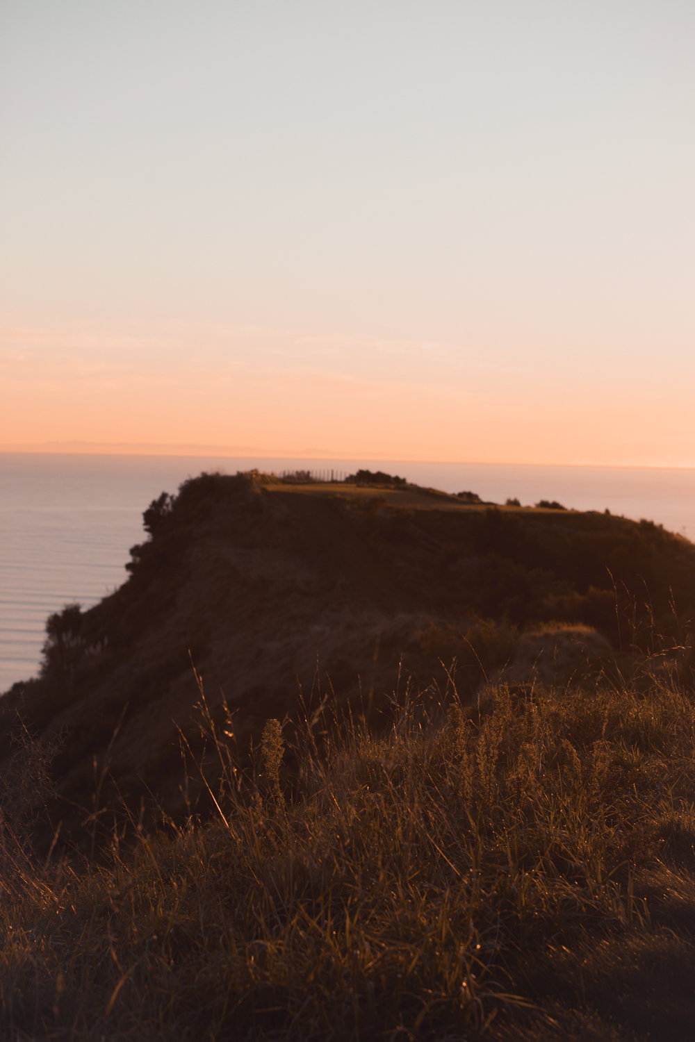 cape-kidnappers-golf-course-at-sunrise-hawkes-bay-new-zealand.jpg