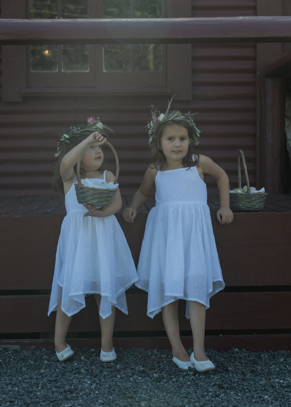 wedding-at-the-red-barn-new-zealand-wedding-photographer-flower-girls-playing.jpg