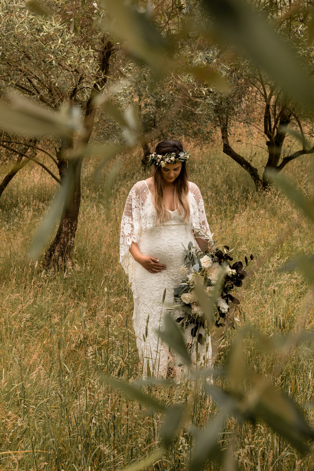 hawkes bay black barn wedding pregnant bride in grace loves lace dress in Olive Grove
