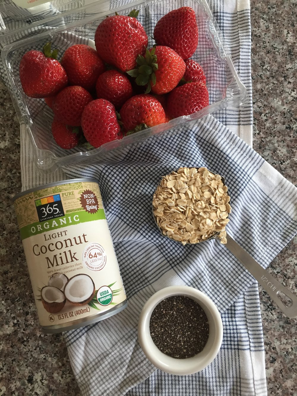 main ingredients for strawberry coconut overnight oats