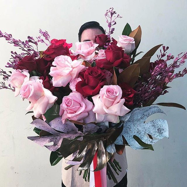 Happy V-day lovers❣️we hope your love blossoms as large as these gorgeous blooms😍⠀ ⠀ ⠀ ⠀ ⠀ ⠀ ⠀ ⠀ ⠀ ⠀ ⠀ #wedding #weddingday #bride #weddinginspiration #weddings #love #weddingideas #weddingplanner #bridetobe #weddingplanning #bridestory #bridal #weddinginspo