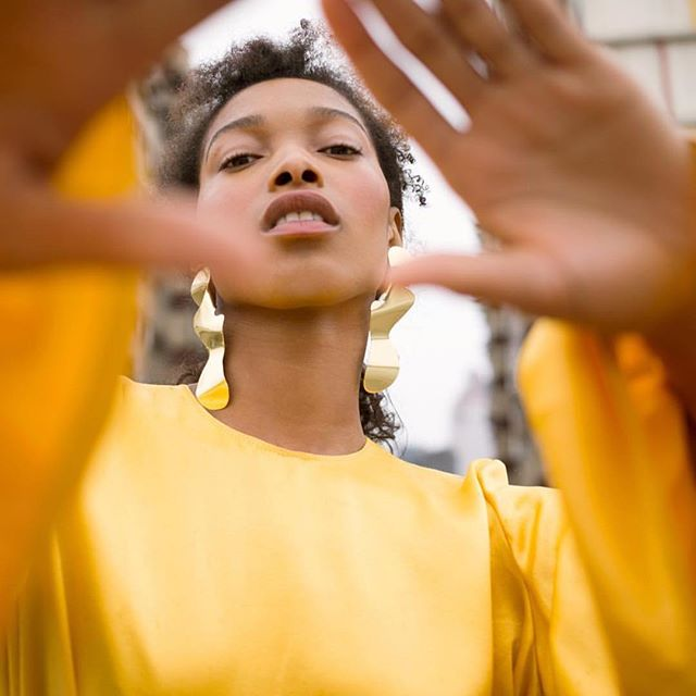 Little coils by @cecyyoung • • • • • #fashion #fashioneditorial #fashionhair #yellow #blackgirlmagic #kinkyhair #ponytail #downdo #fashionphotography #fashioninspo #kinkychicks #kinkycurly #curlyhair #curlybangs #art #artphotography #portraitphotography #portrait #blackgirlsrock #blackhair #sheamoisture #devacurl #naturalista #naturalhairaddict #naturalhairaddiction #naturalhairstyles #naturalhairinspiration #4chair #4hair