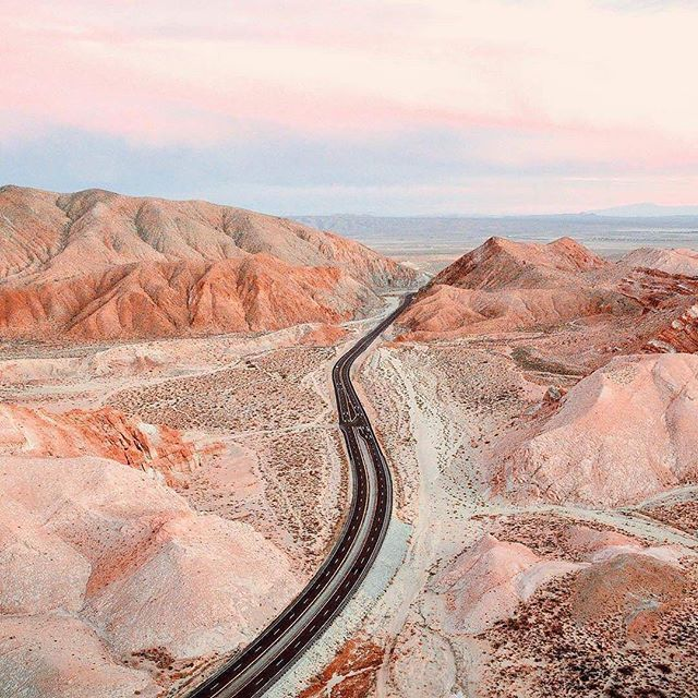 Happy Sunday! • • • • • #art #photography #artphotography #fineartphotography #openroad #desert #desertlife #minimalist #minimalart #minimalism #pink #landscape #landscapephotography #roadtrip #mountains #pinksky #pastel #pastels #pastelsky