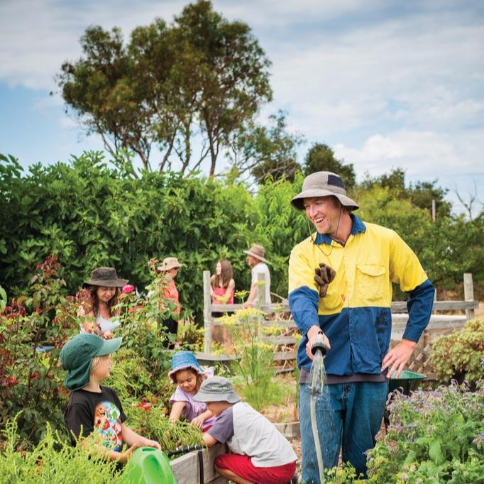 happy+gardeners.jpg