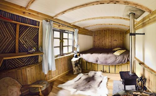 Crafty-Camping-shepherds-hut-500x309.jpg