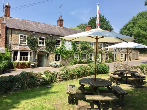 The White Lion Inn, Bourton