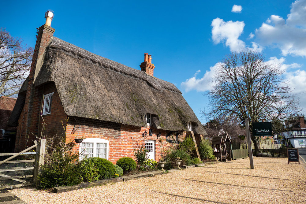 Thatched-Cottage-Front3.jpg
