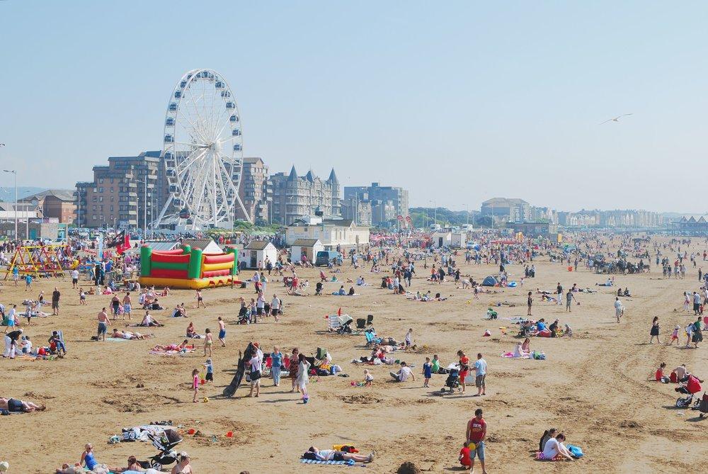 Weston-super-Mare_beach_from_the_Pier.jpg