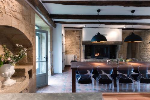 Le-Mas-kitchen-500x333.jpg