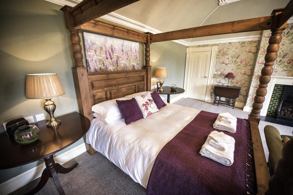 The-Elm-Tree-bedroom.jpg