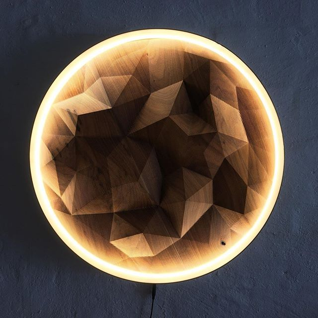 When enjoying Collingwood's best design spots with interior designer @garyorrdesign, we came across this stunning Telegon Wall Light by @alex_earl_made. The wall light is made at his workshop/studio and is crafted from wood and a ring of illuminated bone polymer👌🏽. . . . #designsnoop #timber #woodworker #wooddesign #lightingdesign #lightbox #lightup #wallhanging #textured #installationart #artdesign #designinspo #designed #designing #designlife #designstudio #workshops #polymer #illuminate #faceted #functional #functionalart #uniquedesign #lightshow #collingwood #walkingtour #melbournelife #lifestyledesign #gallerywall #tuesdays