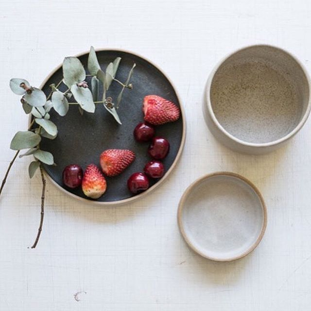 Loving this beautiful work and styling by Melbourne ceramicist @bisuketto_studio, photographed by @fotostazione. . . . #designsnoop #melbournedesign #ceramicstudio #designstudio #localart #clayart #handmadegifts #handmadedecor #kitchenset #bowls #summerfruit #glaze #stylin #stylingtips #interiordetails #tableware #photographyart #flatlays #circles #melbourneeats #melbournelife #madeinaustralia🇦🇺 #businessowners #creativebusiness #creativeart #creativepreneur #creativelife #creatives #tuesdaymorning #morninginspiration