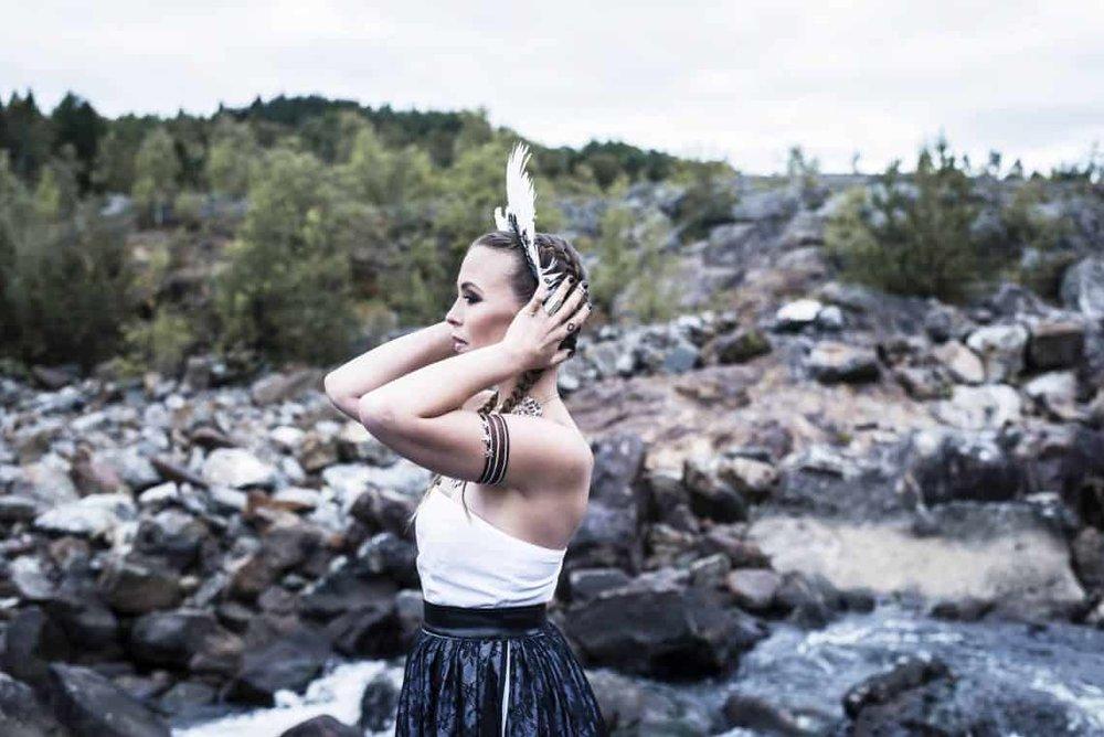 Fotograf: Thea Holmqvist / Modell: Sofia Jannok