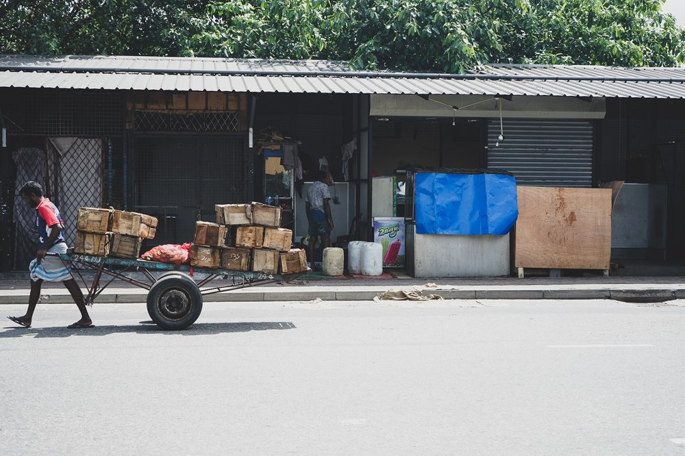 The load carried on foot by Pettah's delivery men.