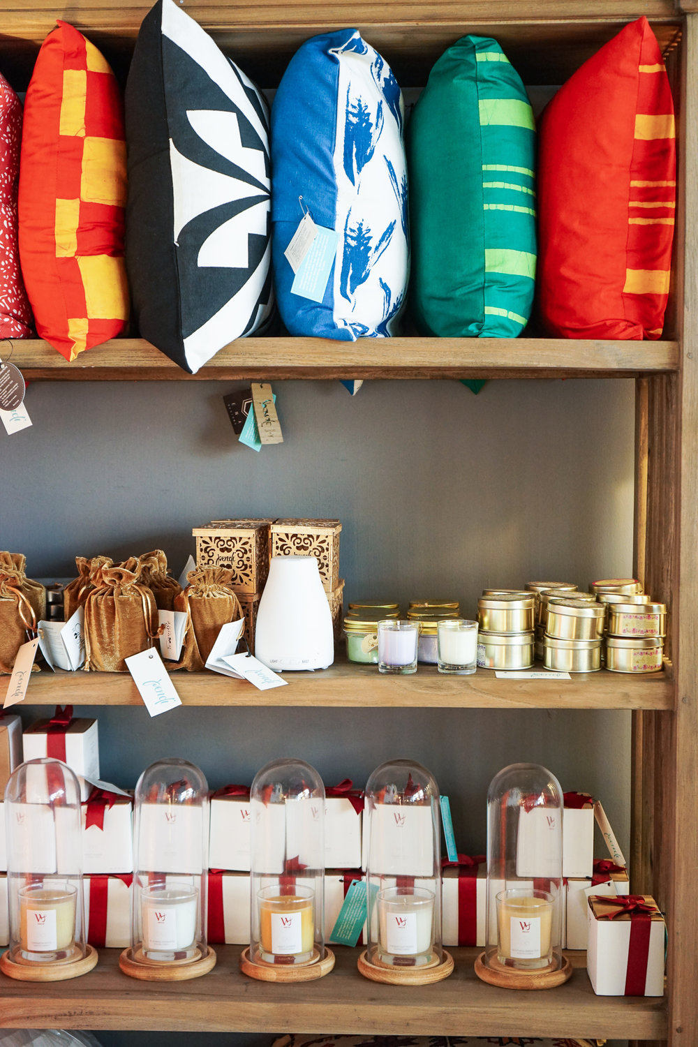 Colombo shopping guide - Pendi cushions and candles