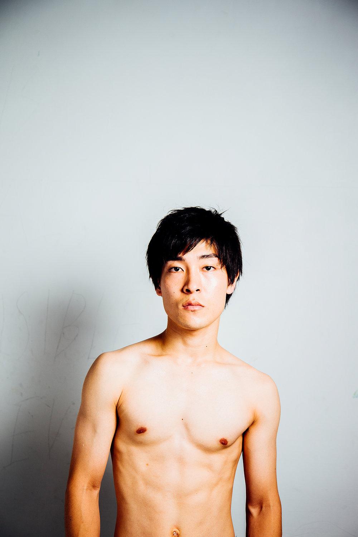 photo : satoshi watanabe | hair & make-up : yoko hirakawa | styling : kazuaki kugimiya