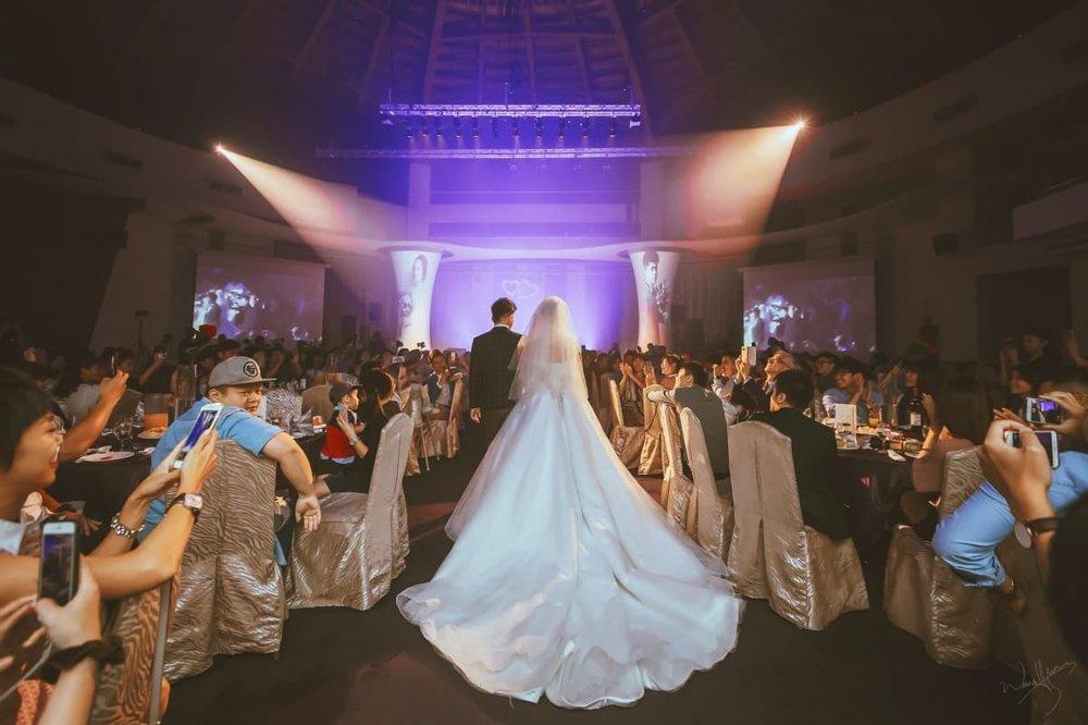 ▲兩人在演藝圈的好人緣,吸引許多藝人情義相挺,為婚宴帶來  精采的節目,全場嗨翻。