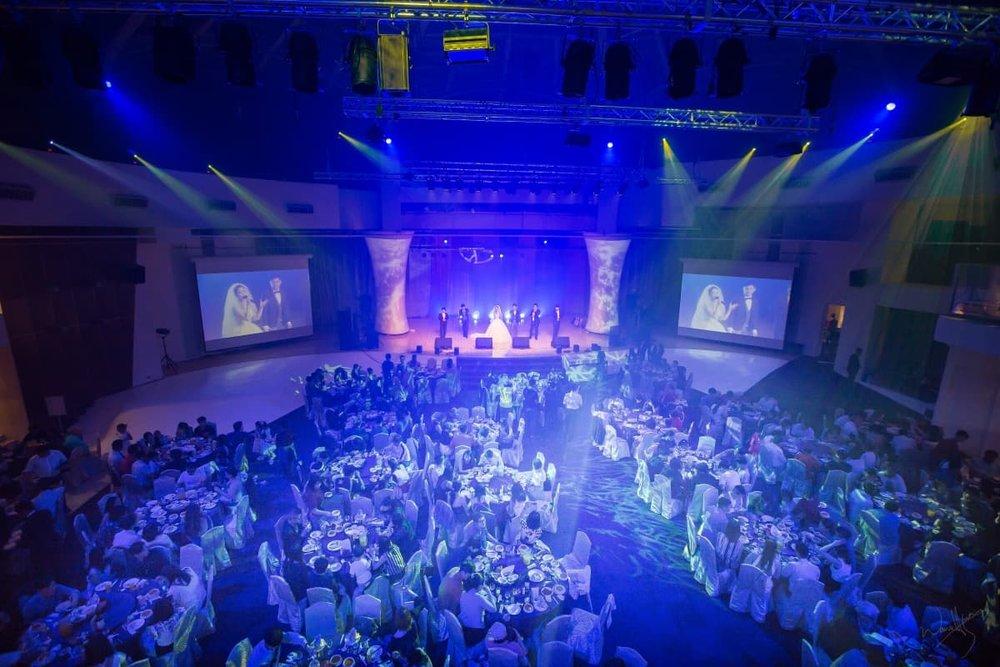 ▲大台北地區寸土寸金,挑高12米無柱的豪鼎飯店 圓頂劇場 ,加上一流的聲光設備,  成為舞思愛與Ethan的宴客首選。