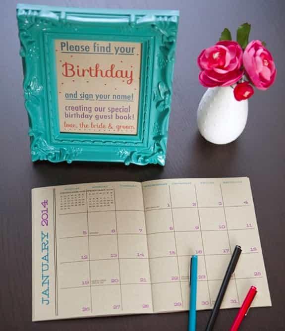 對於健忘的新人,這個簽到方式超級好玩實用。請朋友們找出自己的生日,並且在那格簽名。之後還可以當朋友生日備忘錄喔!