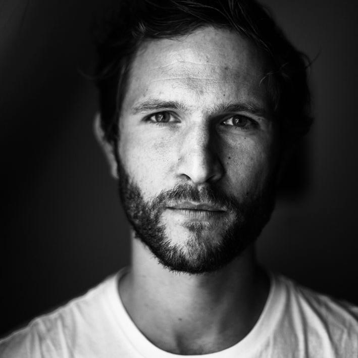 Johann Scheerer - ist erfolgreicher Musikproduzent. Im Frühjahr 2018 erschien sein erstes Buch über die Entführung seines Vaters Jan Philipp Reemtsma.