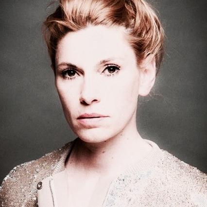 Laura Lackmann - ist Filmregisseurin, Drehbuchautorin und Schriftstellerin. Ihr zweiter Kinofilm »Zwei im falschen Film«kam im Februar 2018 in die Kinos.