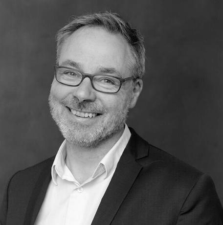 """Holger Noltze - ist Journalist, Professor für Musikjournalismus und Mitbegründer der online-Plattform """"takt1"""" für klassische Musik."""