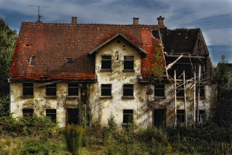 ruin-old-house-decay-old-building-lapsed.jpg