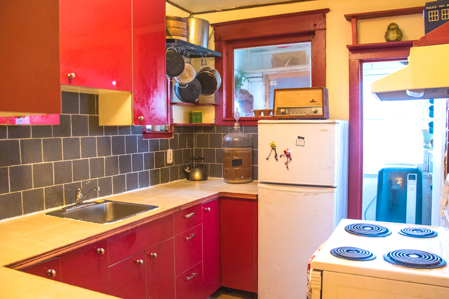 lil-yellow-house-kitchen-alt.jpg