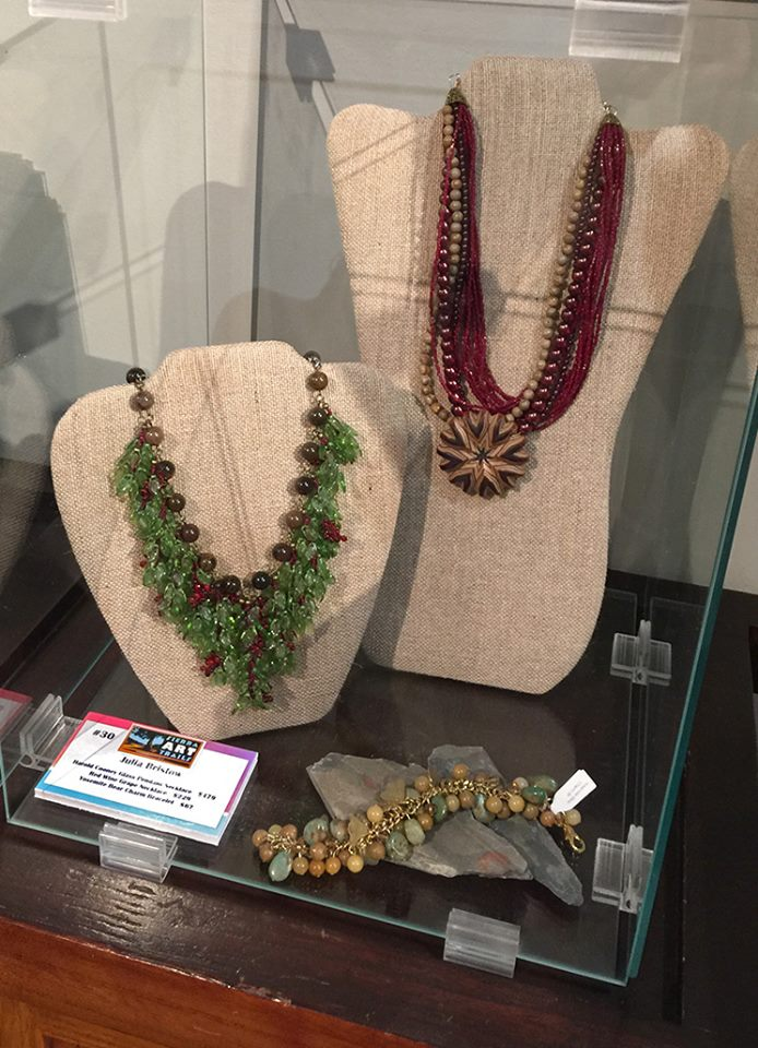 pic-julia-Bristow-jewelry.jpg