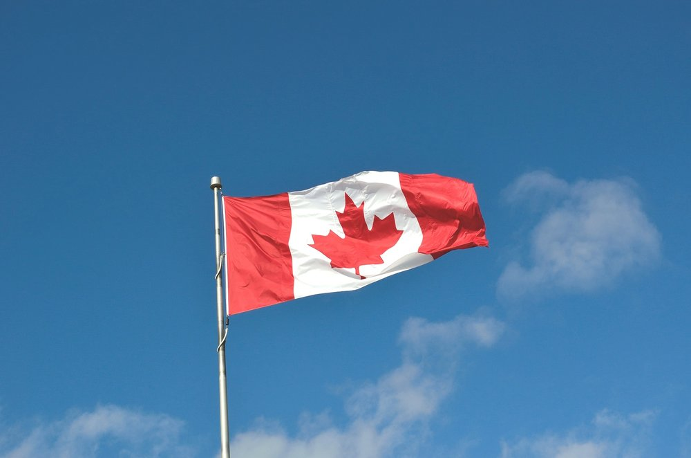 canadian-flag-1229484_1920.jpg
