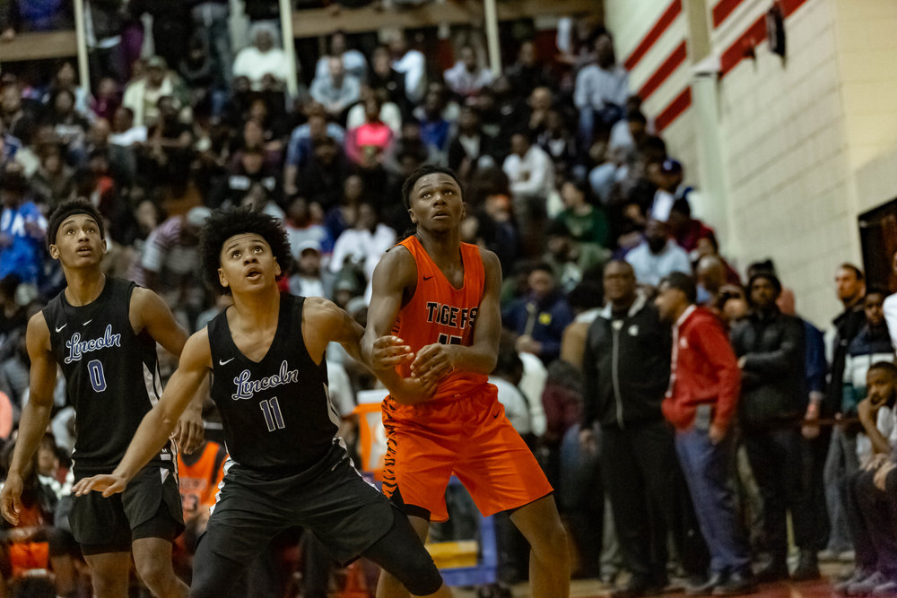 Benton Harbor vs Lincoln - Click here for images.