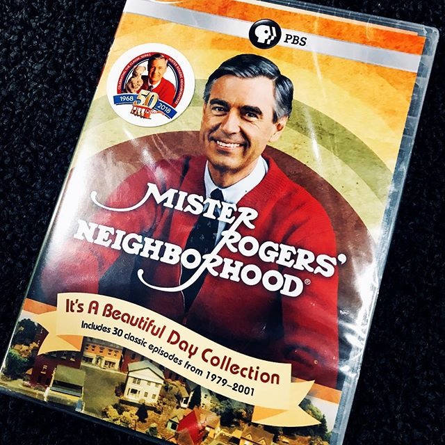 Come get my man card if you want? This is jewelry👑💎. Get the pop tarts ready. Change ya shoes and get yo sweater. 📼📽📺🖼☎️📸🎞😜😉🤗👏🏻🙌🏻 #fredrogers #mrrogersneighborhood #mrrogers #mrrogerswisdom
