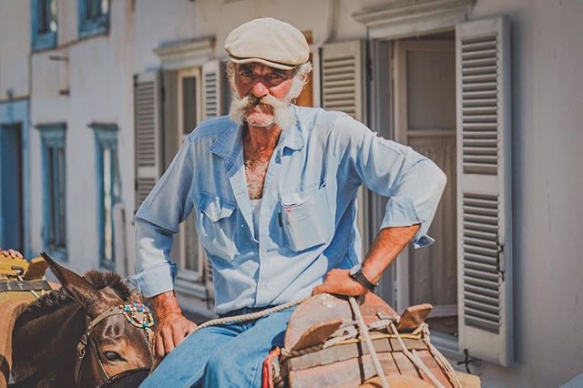 This guy...4 years ago I took his portrait...today, I went back, and he's still there, in the same place, doing the same thing, just loving his life. #Hydra #Greece