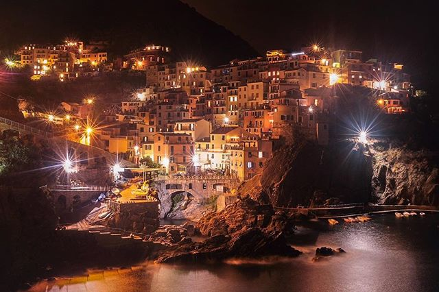 The village of #Manarola in #CinqueTerre. This place is what dreams are made of.