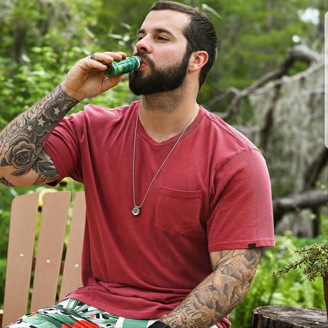 An easy and tasty way to cleanse wherever and whenever? We'll drink to that! Just grab our non-GMO Detox Shot and you're good to go – no matter where you go. Purchase your own by clicking the link in our bio and use the promo code 35488HLQ for 35% off. (📷: @justinreedofficial) . . . . . #nootralife #nootra #detox #detoxshot #cleanse #organic #healthy #health #onthego #cleaneating #probiotics #nongmo #vegan #kale #aloevera