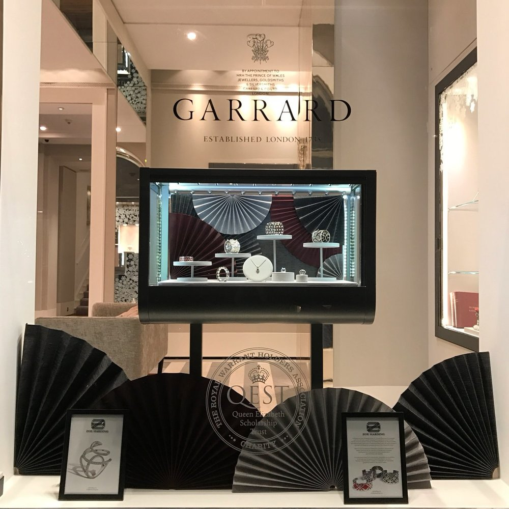 GARRARD WINDOW_THEY POSTED PICCzu2MoVWIAAAIY4.jpg