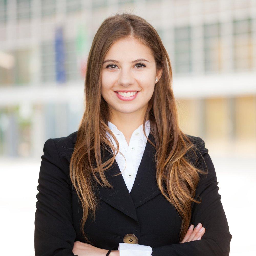 Businesswoman-portrait.jpg