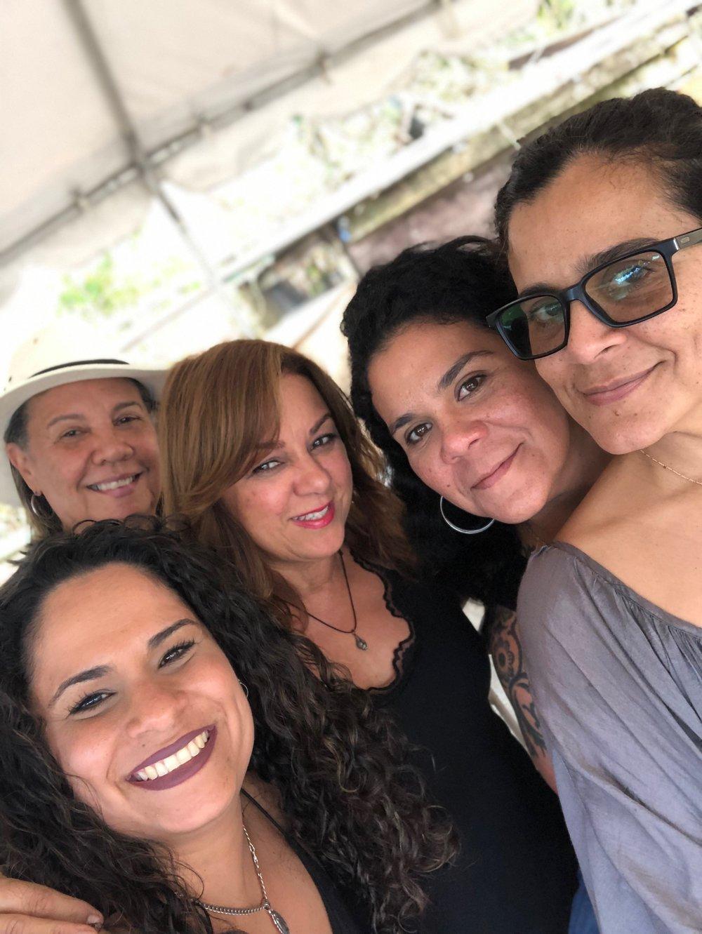 Lechonera de APA: Andrea, Doris, Veronica, Sabina, Soldanela. 2 de febrero 2019.