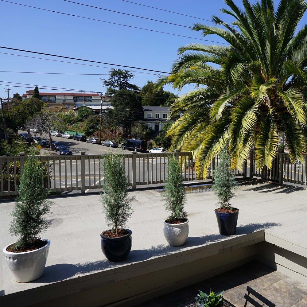 Front_deck_patio.jpg