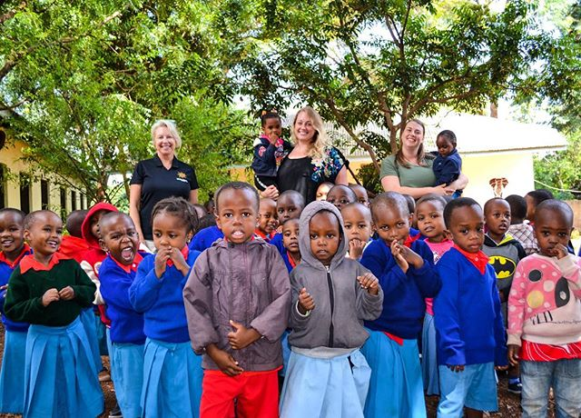 Our kiddos loved spending time with @karenydobbs and @hayleydobbs the past two weeks!! Family time in Tanzania is always the best time. 💙✨