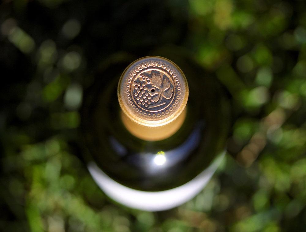 100617_aesthete_wines_bottle_top.jpg