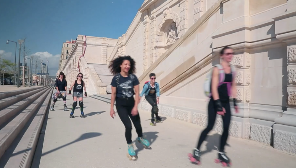roller girls revolution -
